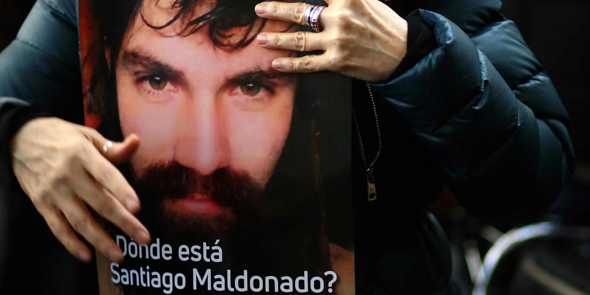santiago-maldonado-desaparecido-en-argentina-y-omnipresente-en-las-redes-2