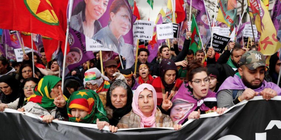 corteo parigi curdi