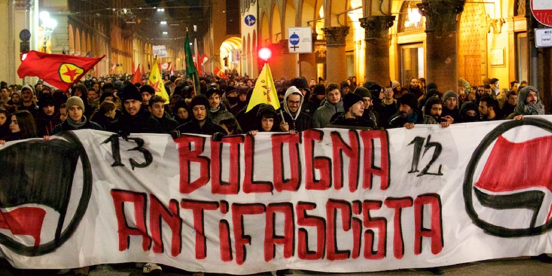 Bologna, cariche al corteo antifascista
