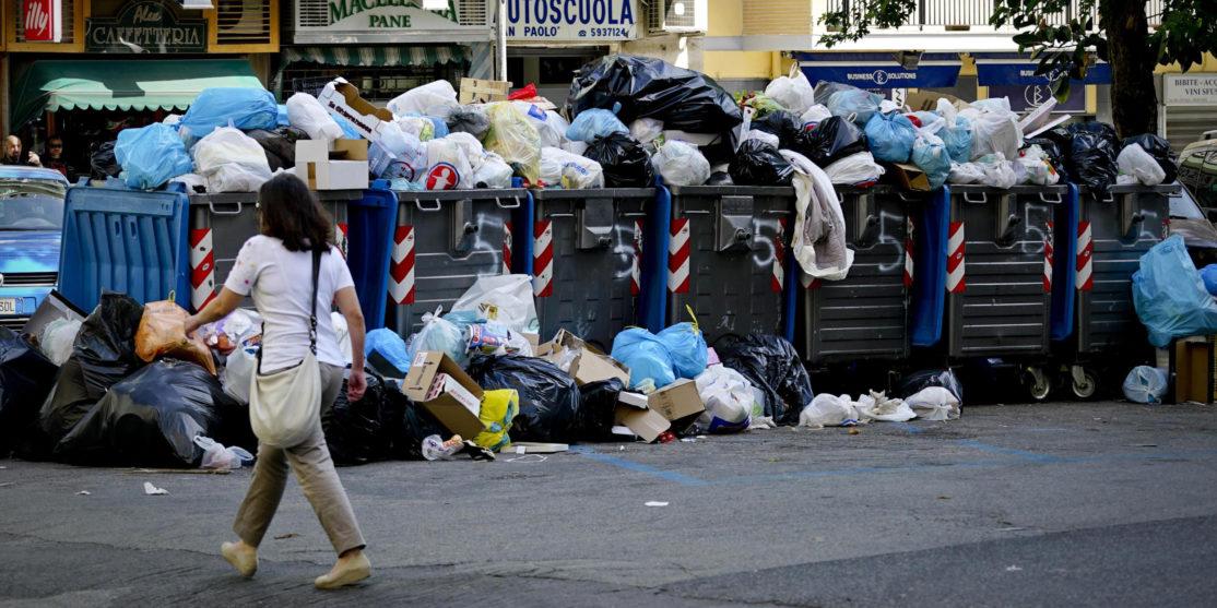 RIFIUTI: ADESIONI SCIOPERO AL 90%, DISAGI IN TUTTA ITALIA