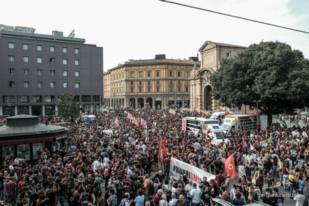 Manifestazione per la riapertura di Làbas