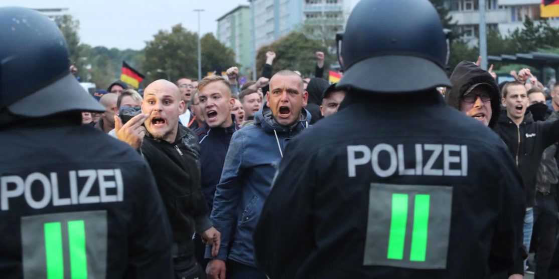 achttien-gewonden-bij-nieuwe-betogingen-in-duitse-plaats-chemnitz
