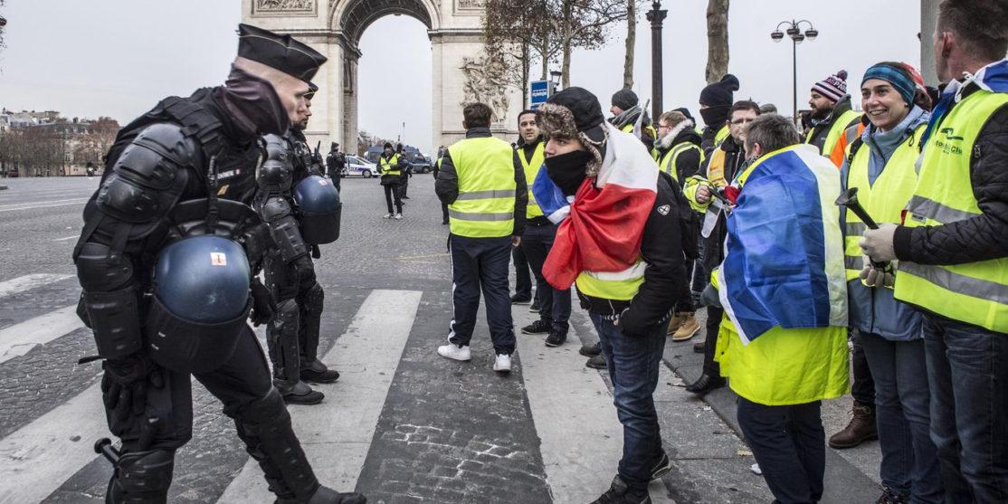 1180726-manifestation-des-gilets-jaunes-a-paris-le-15-decembre-2018