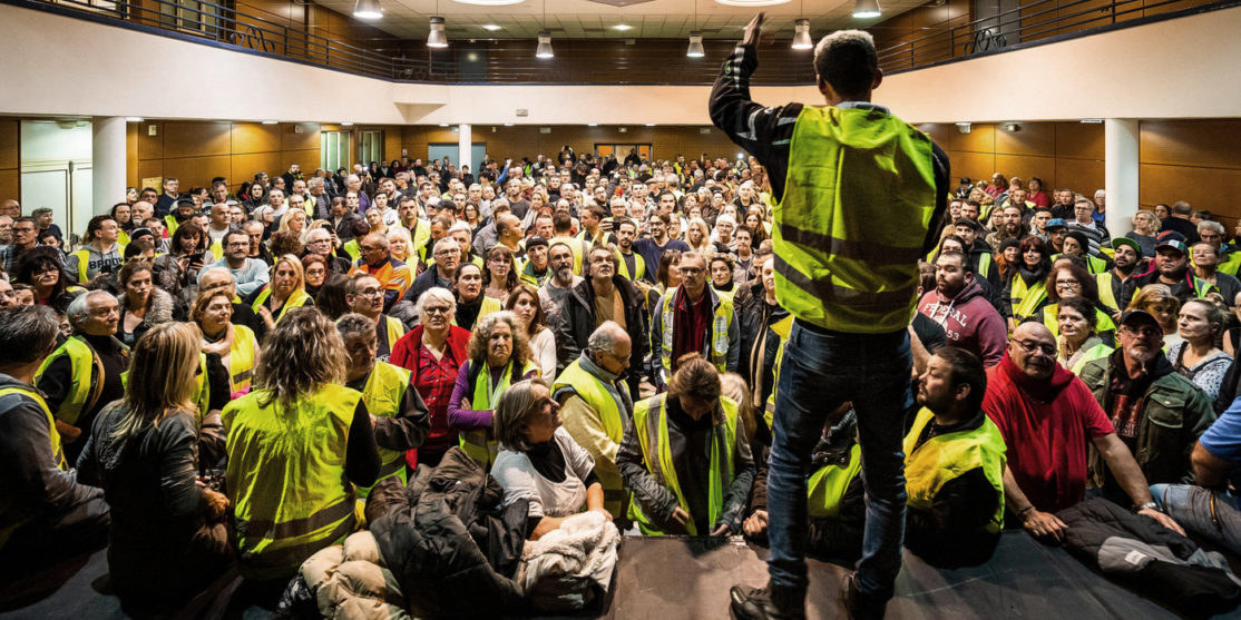 Assemblee-generale-gilets-jaunes-Saint-Laurent-Salanque-Pyrenees-Orientales-29-novembre_0_1398_933