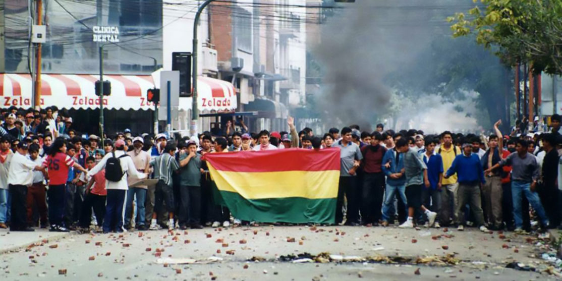 cochabamba_water_revolt_crowds_san_martin-1024×742