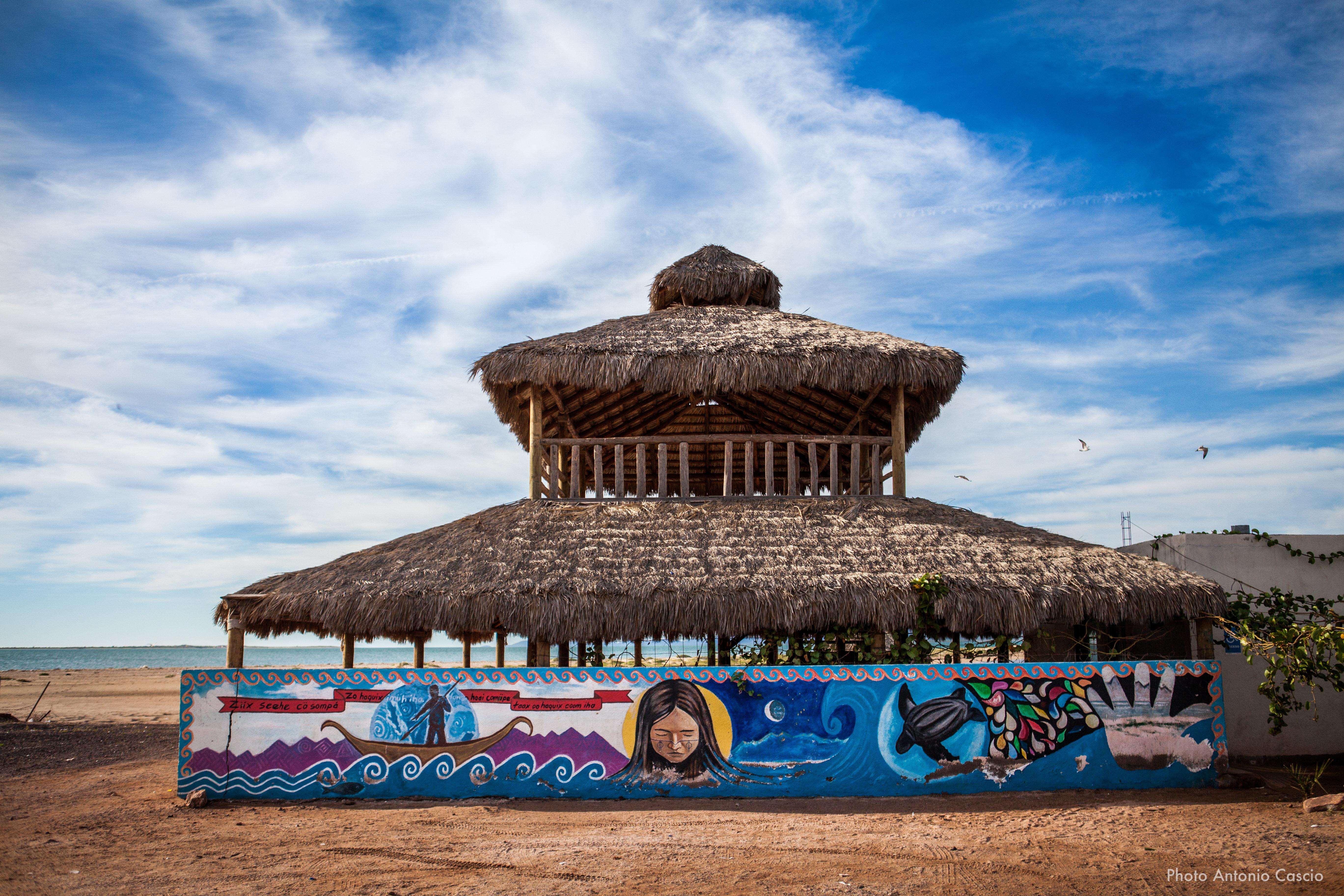 Capanna sulla spiaggia presso la comunità indigena di Coomcac. Punta Chueca, Sonora, Mexico. 11/12/2019