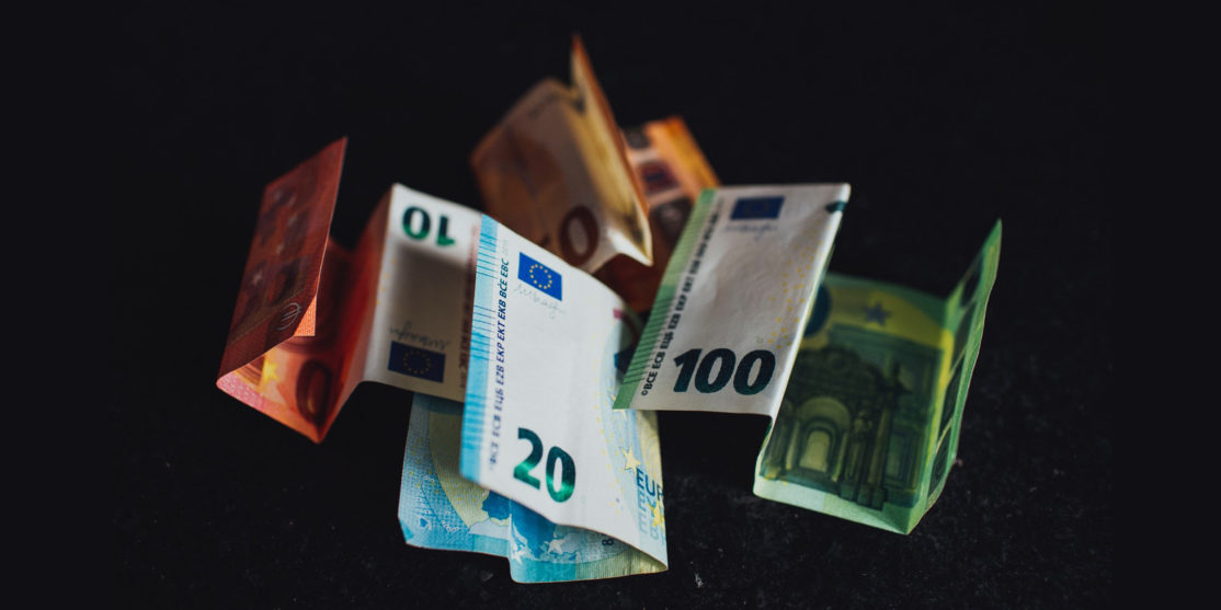 10-and-20-euro-bill-3806749