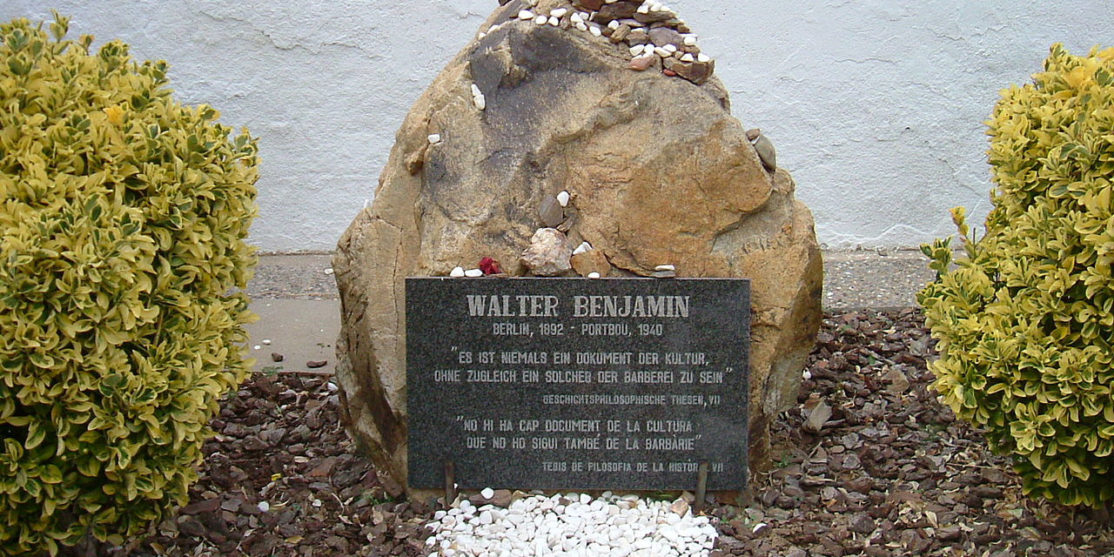 File source: http://commons.wikimedia.org/wiki/File:Grab_Walter_Benjamin.jpg