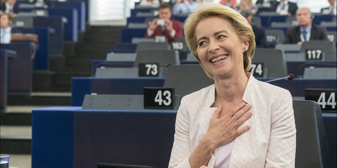 Parliament_elects_Ursula_von_der_Leyen_as_first_female_Commission_President_(48300922507)