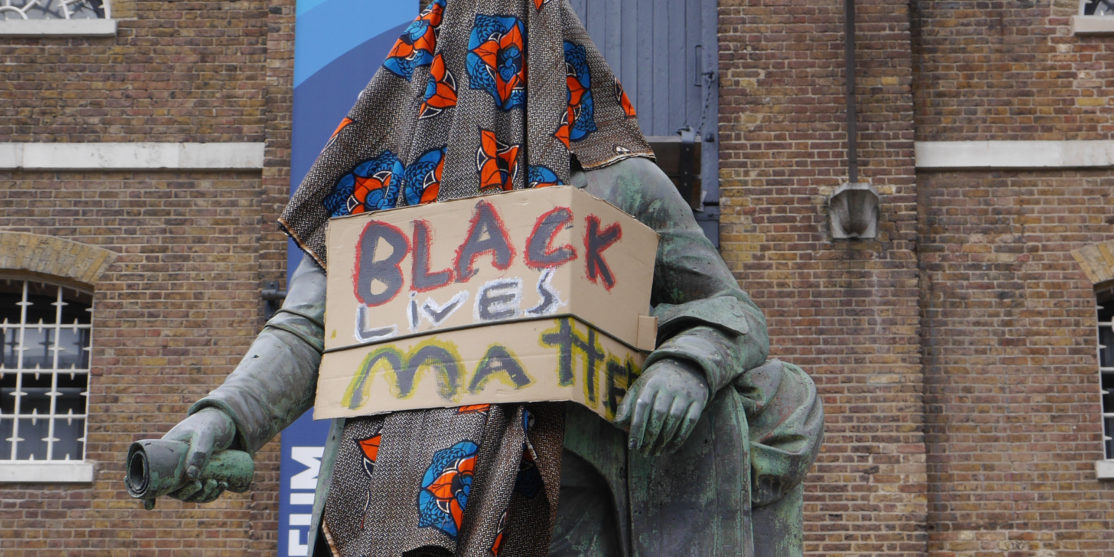 Statue_of_Robert_Milligan,_West_India_Quay_on_9_June_2020_-_statue_covered_and_with_Black_Lives_Matter_sign_03