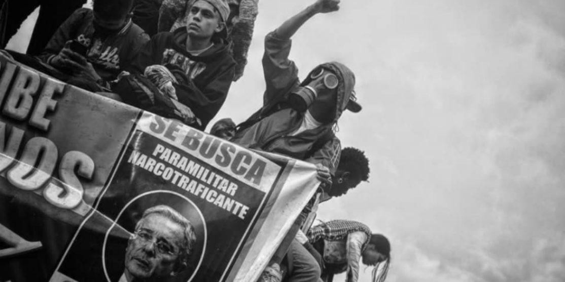 Colombia-Paro-Nacional-Uribe-se-busca-la-tinta