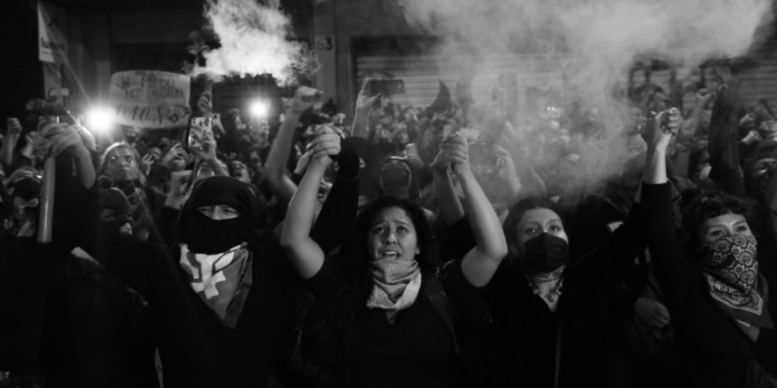 Mexico-Okupa-feminista-mujeres-la-tinta1