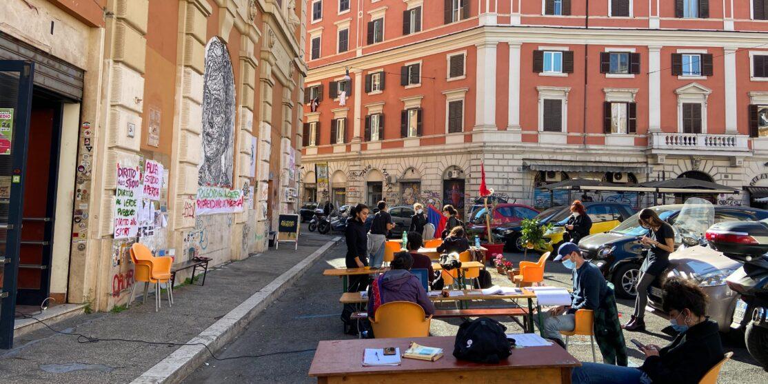 [fonte: https://www.dinamopress.it/news/piazza-dei-sanniti-supereroi-la-municipale/]
