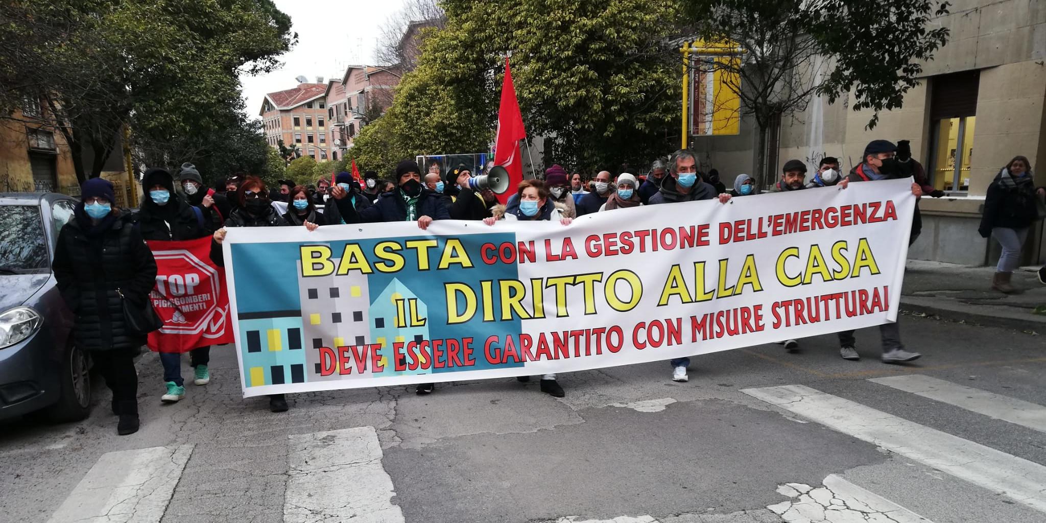La Casa E Un Diritto Proteste Per Il Blocco Degli Sfratti Dinamopress