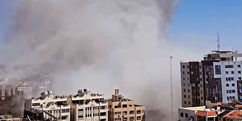 The_Israeli_Air_Force_bombed_the_press_offices_in_Gaza_2021_(cropped)