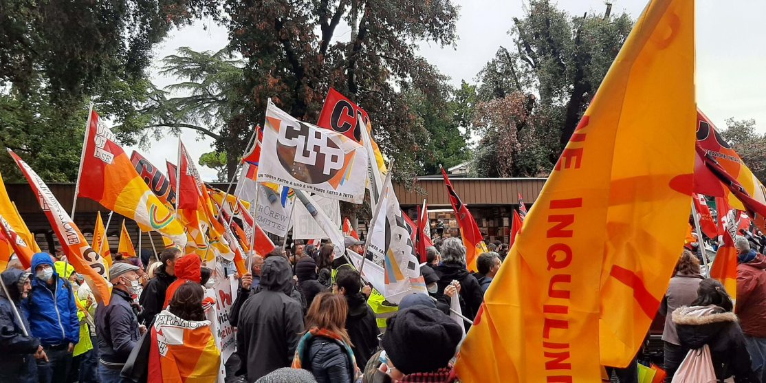 bandiere sciopero 11 ottobre 2021 (nicolò arpinati)